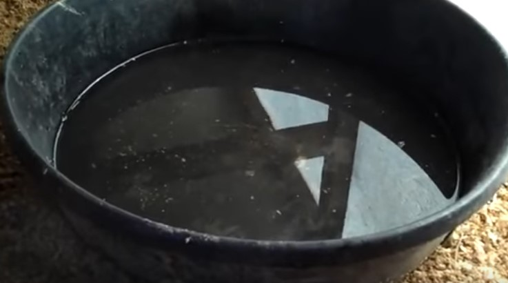 Емкость для воды, например, таз